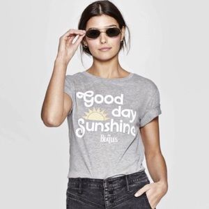THE BEATLES | GOOD DAY SUNSHINE GRAPHIC BAND TEE